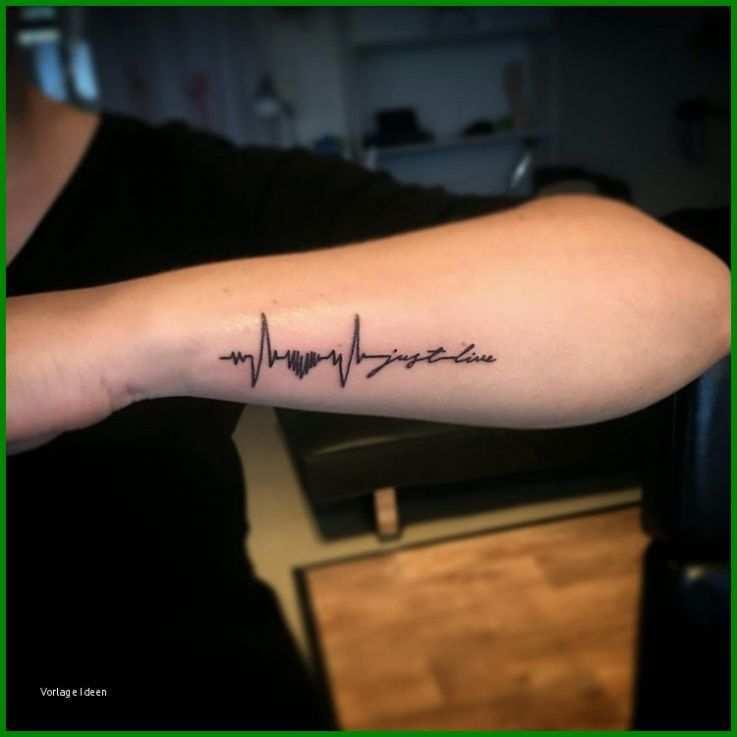Schriftzüge tattoo unterarm